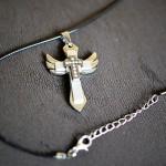 Anielski krzyżyk srebrny