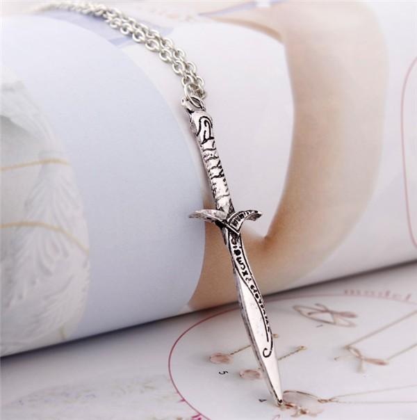 Srebrny naszyjnik Miecz z filmu Hobbit i Władca Pierścieni